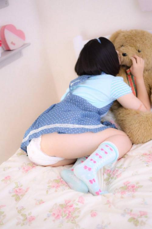 【おむつ女子】コレを楽しみだしたらもう末期、おむつプレイを楽しむ女の子のエロ画像が正直キツい・・・・・・4枚目