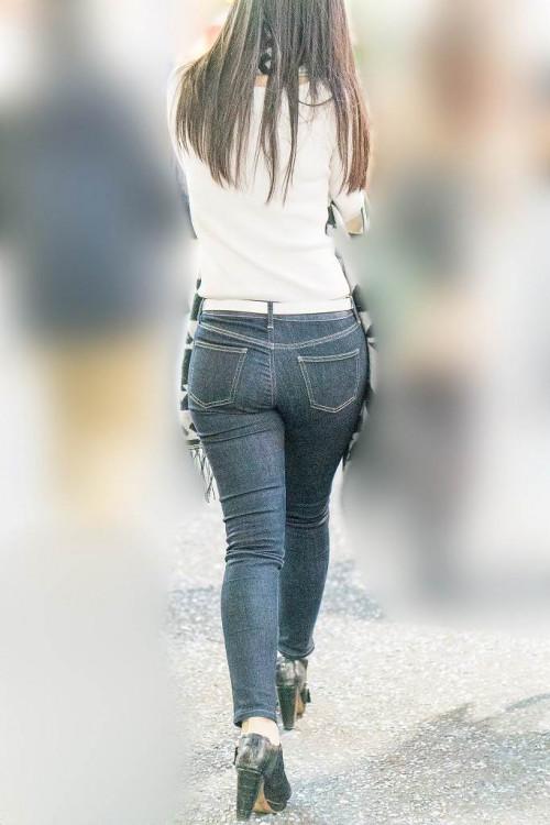 【お尻エロ】ピッタリデニムで適度に引き締まったお尻を愛でる紳士たちのスレ!!・23枚目